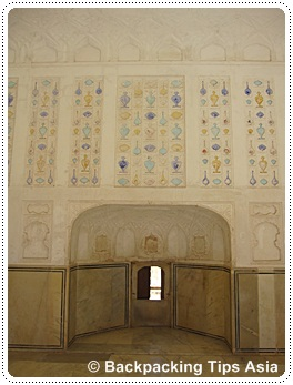 Palace and details at Amber fort in Jaipur, north India