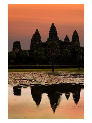 View of Angkor Watt and reflections in the water Photo: YinYang ©iStockphoto.com/YinYang
