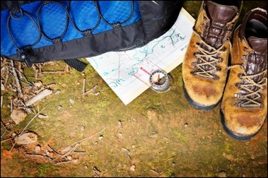 A backpack, compass, map and hiking shoes Photo: Don Bayley ©iStockphoto.com/Don Bayley