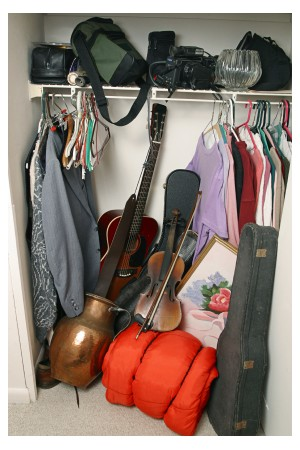 Closet full of clothes Photo: Lisa F. Young ©iStockphoto.com/Lisa F. Young
