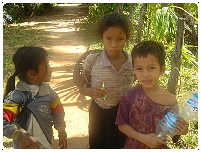 Local children in Don Det island, 4000 islands Laos
