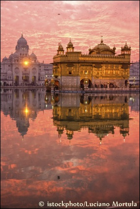 The golden temple in Amritsar, ©iStockphoto.com/Luciano Mortula