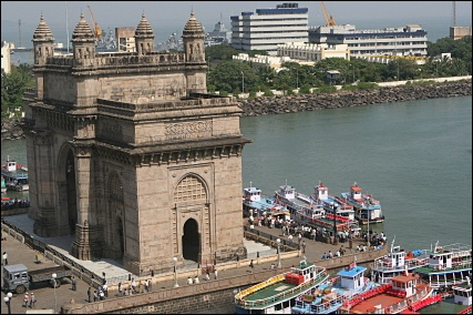 India Gate in Mumbai, by the harbor