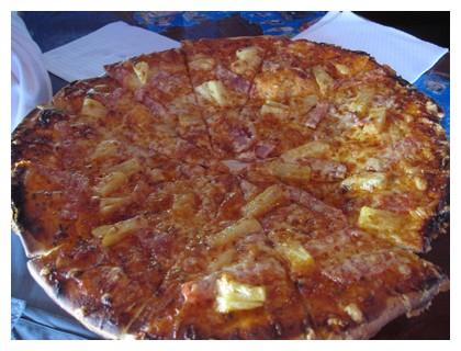 Pizza at Skuba Junkie restaurant in Semporna, Sabah