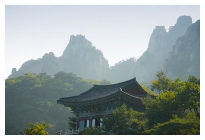 Temple in Korea, ©iStockphoto.com/neomistyle