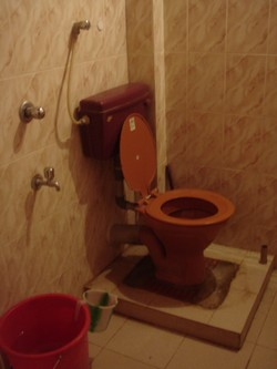 Toilet at a guesthouse in Palolem, South Goa