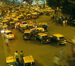 Heavy traffic in Mumbai, India