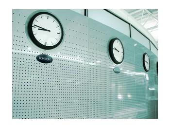 Wall of clocks, ©iStockphoto.com/kemie